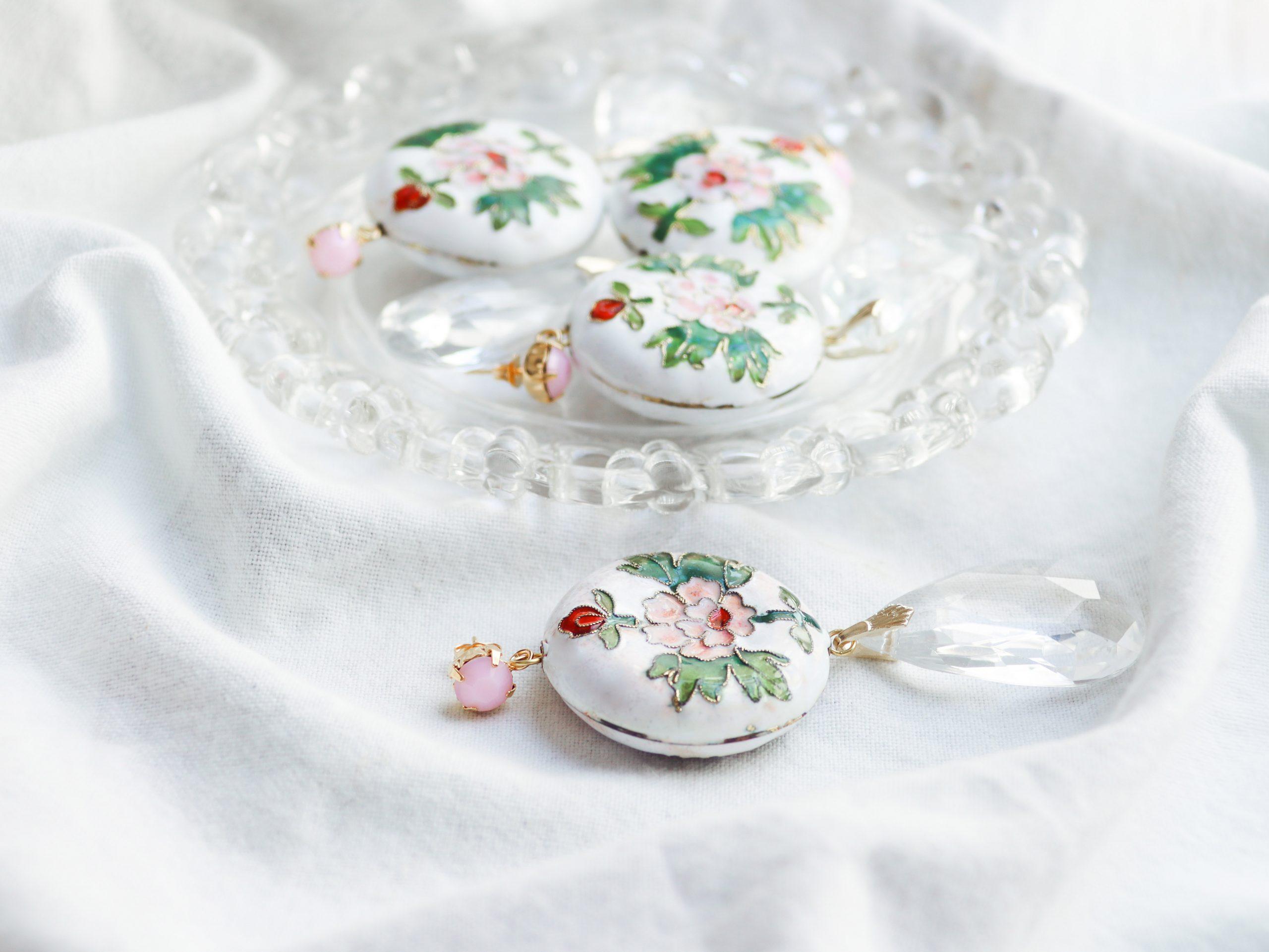 je suis flore, earrings, floral earrings, white earrings, statement earrings, over je suis Flore