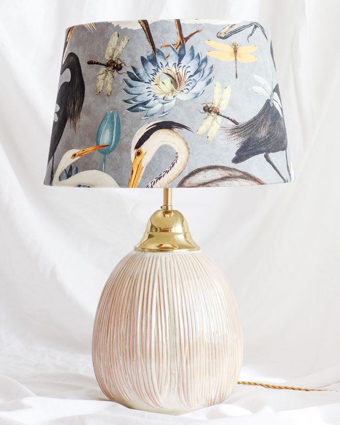je suis flore, lamp, lampen, lampenkap, vogels, vogel print, aztec lampenkap, gele lamp, gouden lamp, geel gouden lamp